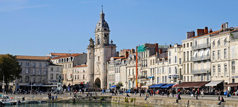 Car hire in La Rochelle