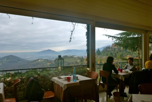 Lunch with a view at ristorante pizzeria san vigilio bergamo for Best lunch in milan