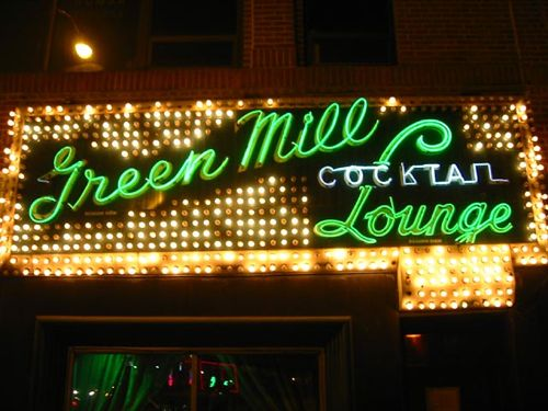Chicago, USA - Green Mill sign - Chicago car hire