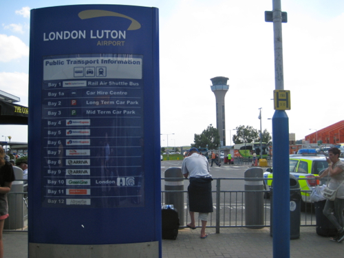 London Luton Airport - directions for travel options - Luton Airport car hire
