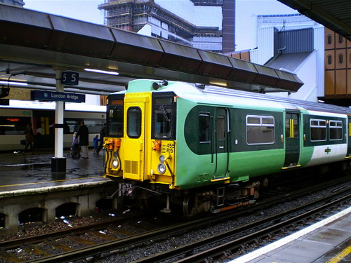 how to travel from london to southampton by train