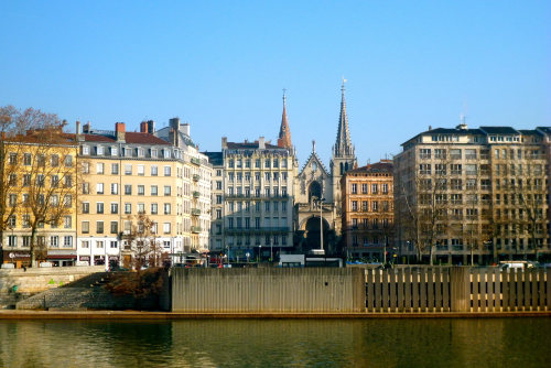 getting to and from lyon airport with public transport france car hire. Black Bedroom Furniture Sets. Home Design Ideas