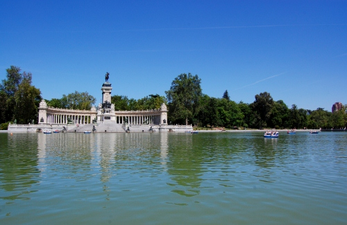 Madrid - Parque del Buen Retiro, Madrid car hire