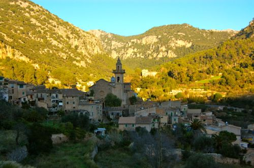 Mallorca, Spain - Valldemossa in the late afternoon sunshine - Palma de Mallorca Airport car hire
