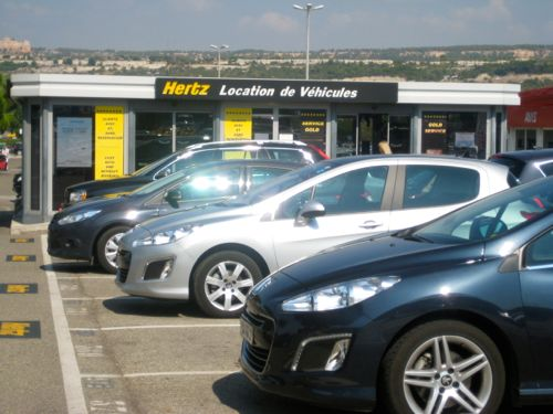marseille airport car hire hertz collecting a car hire from marseille airport nice airport car. Black Bedroom Furniture Sets. Home Design Ideas