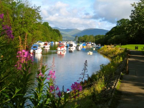 Scotland - Boats on Loch Lomond in Balloch - UK car hire